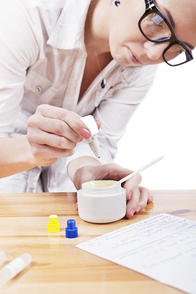 Produkcja kosmetyków luksusowych i marek premium - najwyższej jakości kosmetyki pielęgnacyjne kontraktowy producent kosmetyków, kosmetyki na zlecenie ioc producent kosmetykow 120715024